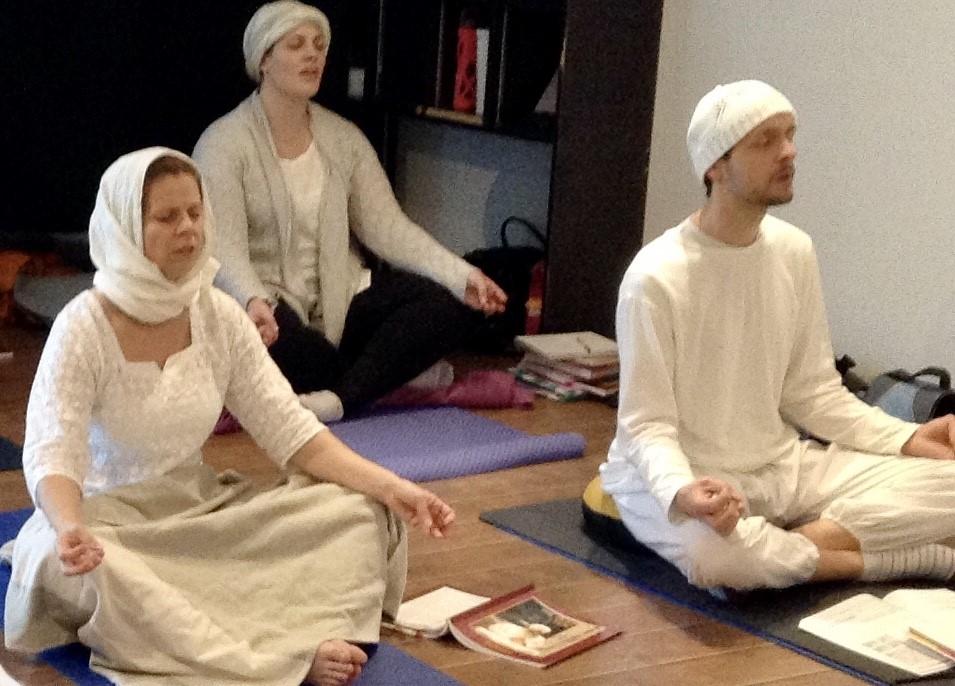 kundalini yoga practices